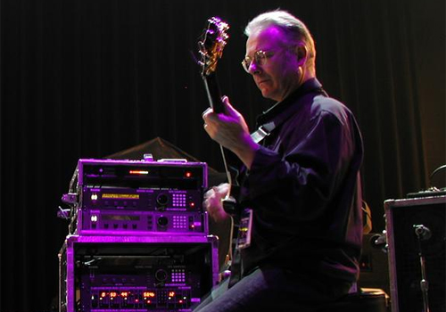 http://weeaboo.files.wordpress.com/2008/03/robert_fripp.jpg